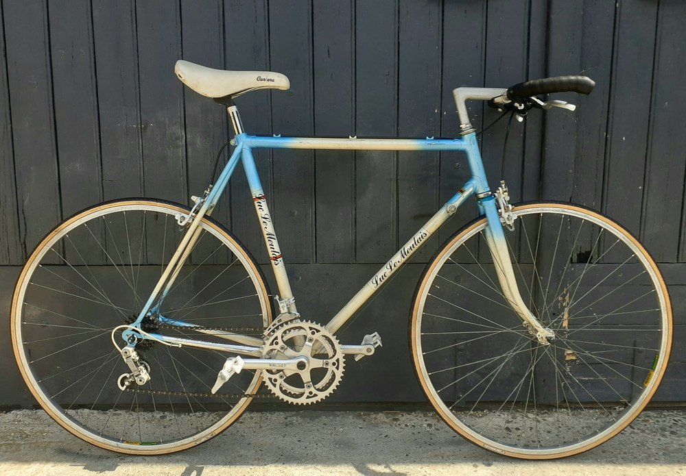 Vélo Luc Le Meulais cintre ville