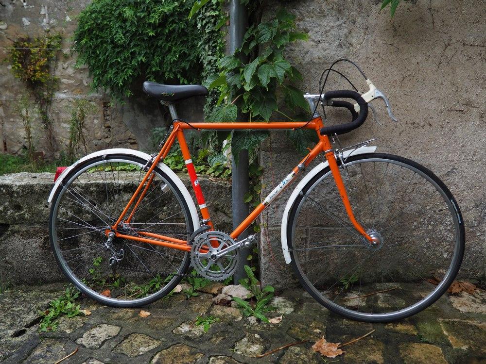 Vélo Route Spécial CNC  Pantin