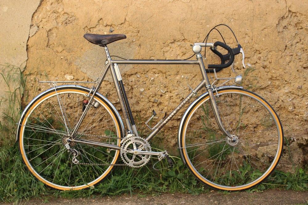 Vélo Route Gitane Paris