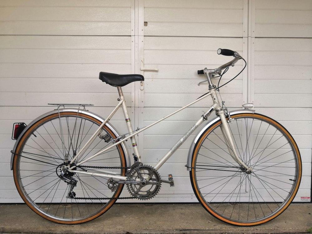 Vélo Ville Jacques Anquetil Paris