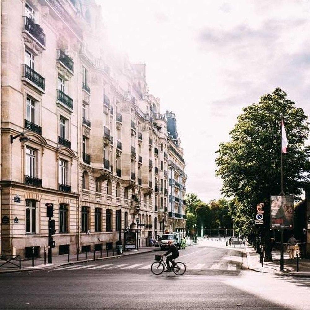 A Paris, le vélo trace sa route